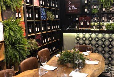 Presentación de Vino Cruz de Alba en El Liquor Store
